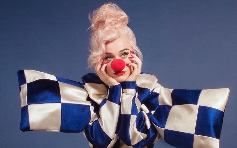 Katy Perry em Smile: A Síndrome do Pagliacci no pop